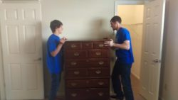 Student Movers offers friendly, experienced Student Movers ready to move you